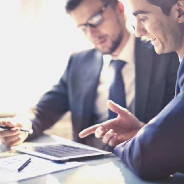 Maxton Logistica procura profissional para função de Assistente Comercial interno