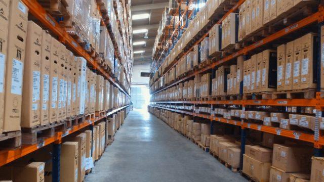 """O que significa """"armazenagem"""" no processo logístico de transferência de carga?"""