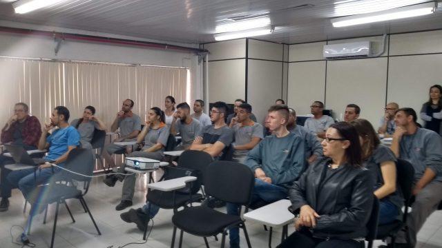 Projeto Águas Seguras é apresentado aos funcionários da Maxton Logística.