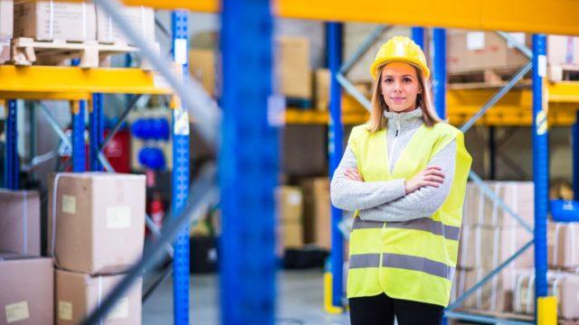 Como a participação da mulher tem contribuido para a logística.