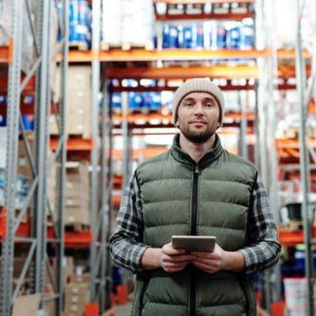 Conheça as 4 etapas do processo da armazenagem logística