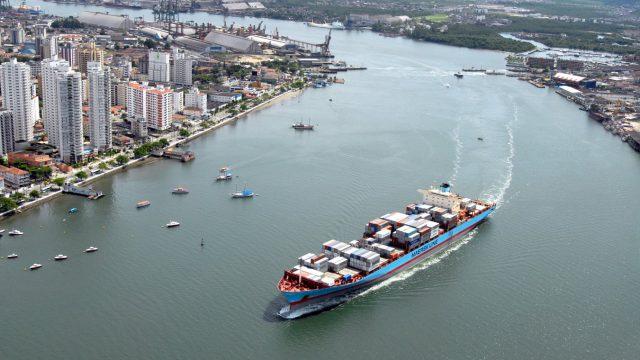 Porto de Santos recebe navios de 366 m e 14 mil TEU