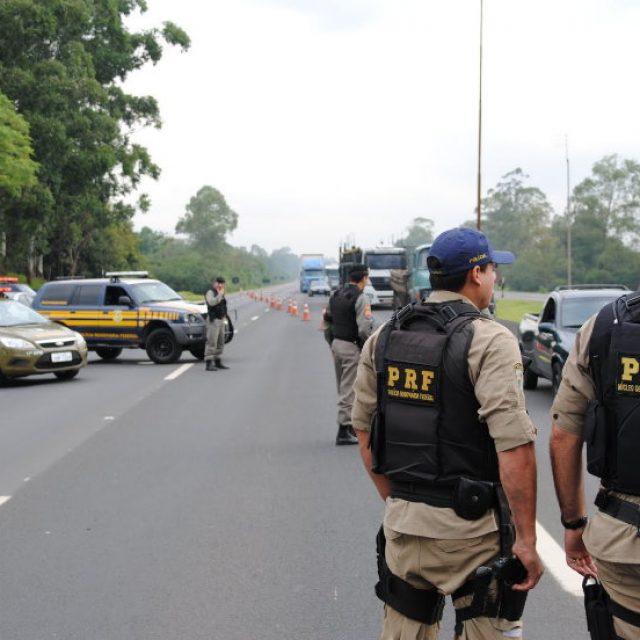 Portaria da Polícia Rodoviária Federal proíbe transporte de carga nos feriados nacionais