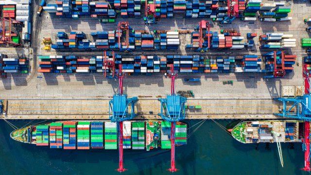 Qual a diferença entre logística e cadeia de suprimento?