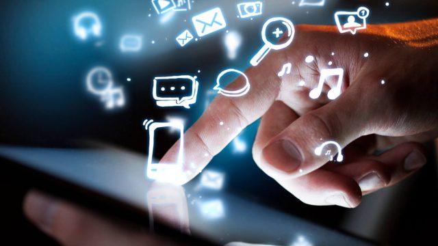 Como utilizar a tecnologia para melhorar serviços oferecidos aos clientes