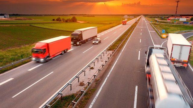 Sua empresa terceiriza o frete? Economize até 10,7% com contratação de transportadoras